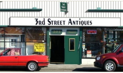 Treasure Hunting in Puyallup's Antique District